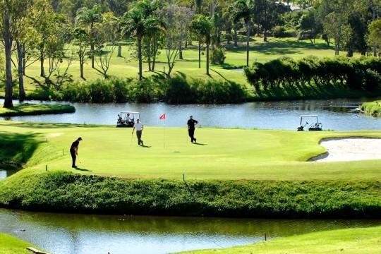 Golfing Homes Parkwood Golf Course Gold Coast Queensland