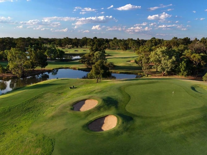 Golfing Homes Rich River Golf Club on the Murray Southern NSW