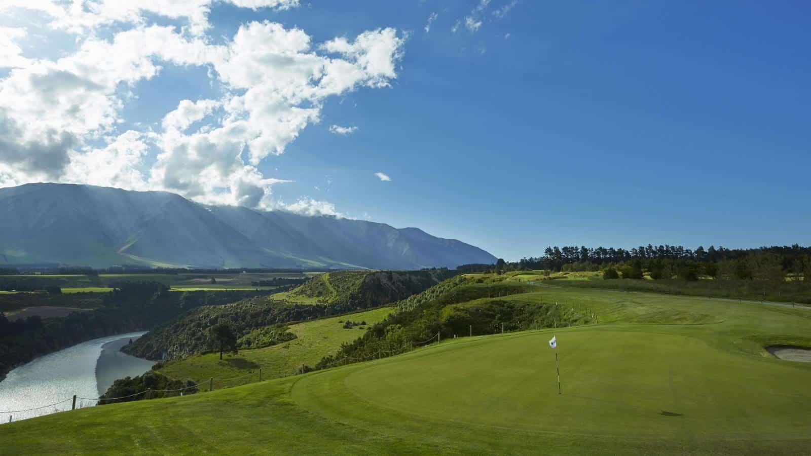 Golfing Homes Terrace Downs Golf Resort